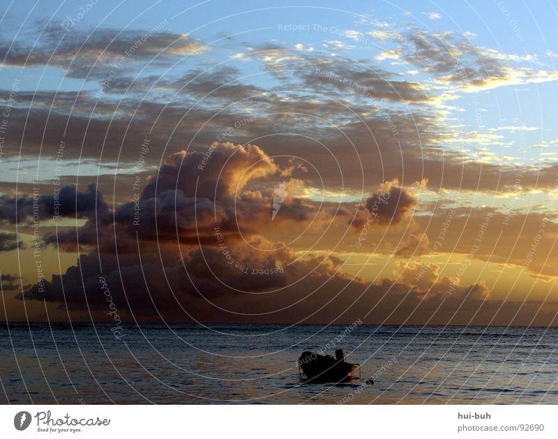 Abends am Strand Sonnenuntergang Sonnenaufgang Wolken Wasserfahrzeug dunkel Nacht hell Licht Beleuchtung Horizont Meer See Einsamkeit Märchen verloren Fischer