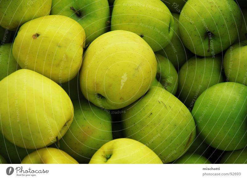 Marktäpfel grün gelb mehrere Frucht Apfel Stengel viele