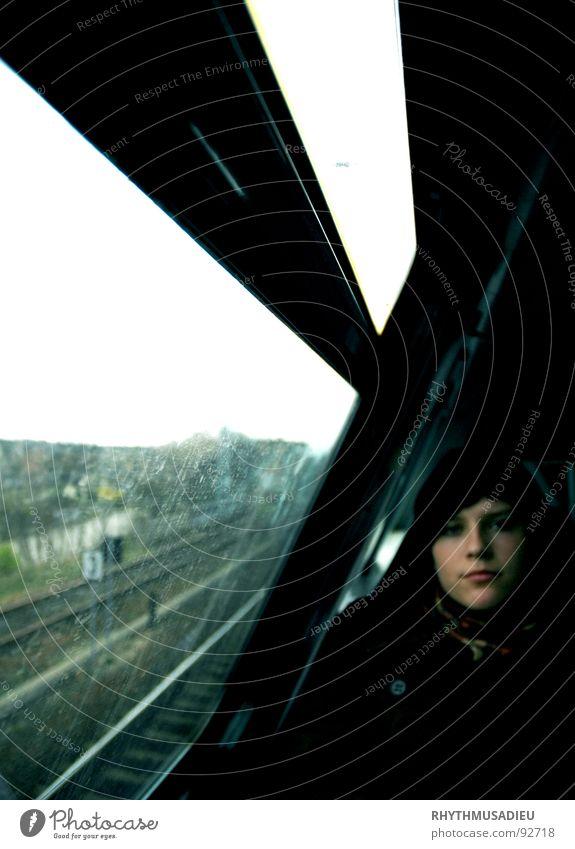 Christin1 Ferien & Urlaub & Reisen dunkel Eisenbahn Bahnhof Gedanke Hoffnungslosigkeit ungewiss