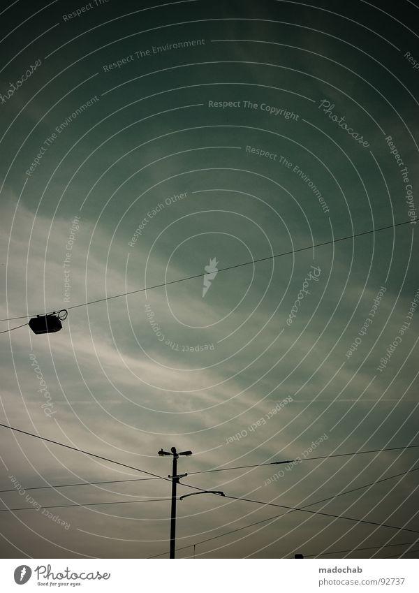 4. APRIL Wolken streben Lampe Laterne Unwetter Herbst Leidenschaft Sturm Stimmung Himmel gefährlich blau Linie Kabel Verbindung