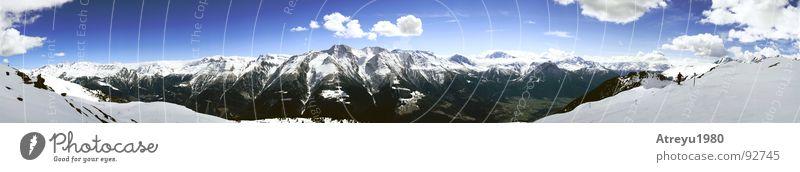 Berg & Tal Himmel Wolken ruhig Schnee Berge u. Gebirge groß Alpen Aussicht Schweiz Panorama (Bildformat) Tal Skipiste