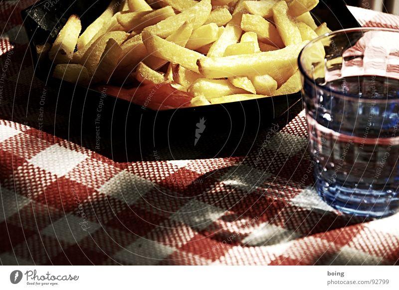 Palim Palim Imbiss Pommes frites Beilage Mahlzeit Ketchup Portion goldgelb Fett heiß Trinkwasser Ernährung Biergarten Wanderausflug Biermischgetränk Sonne