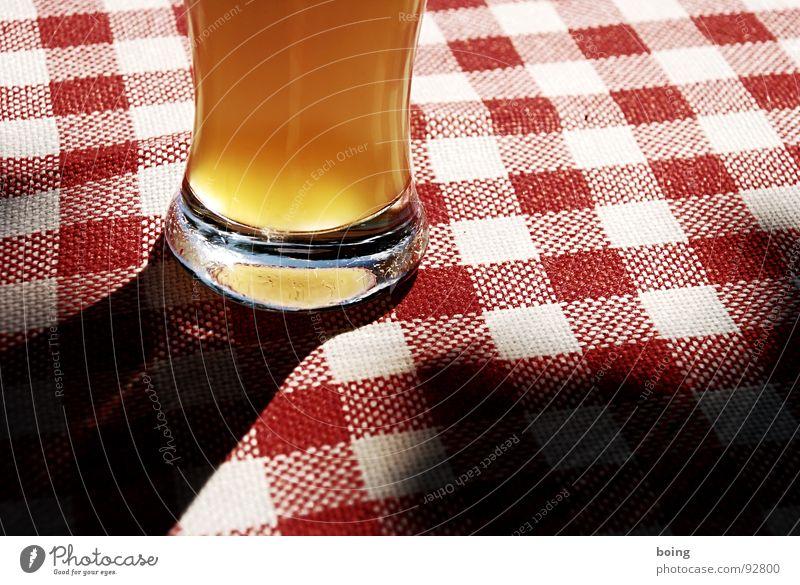 … des is hoid a Pracht Sonne Sommer Ernährung Garten Glas München Bier Alkohol Schönes Wetter Oktoberfest kariert Bayern Weizen Imbiss Gischt
