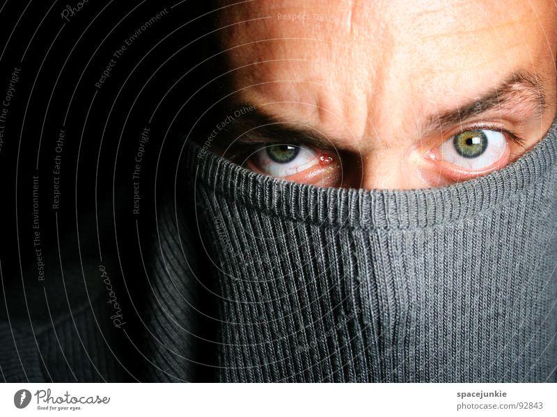 Look Into My Eyes (2) Mann Freude Auge Gefühle verrückt Maske tief Pullover skurril Humor intensiv hypnotisch hypnotisierend