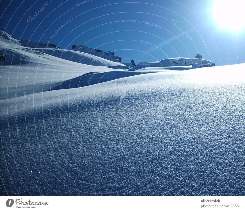 ein wunderschöner tag Sonne Winter Schnee Berge u. Gebirge Stimmung Blauer Himmel Tiefschnee Pulverschnee Schneekristall Winterstimmung