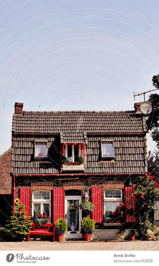 Hutzelhäuschen Himmel rot Sommer Haus Deutschland klein Romantik Dorf Amerika