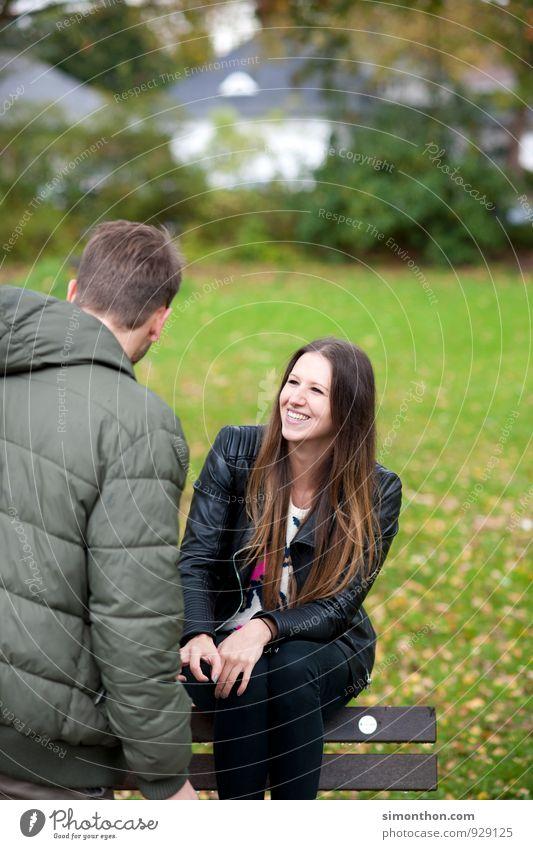 crazy in love Natur Jugendliche Erholung Landschaft Umwelt Erwachsene Leben Gefühle Liebe Glück Garten Paar Freundschaft Park Familie & Verwandtschaft Erfolg