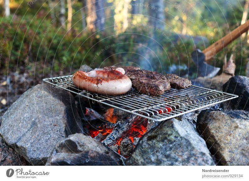 Outdoor Lebensmittel Fleisch Wurstwaren Picknick Bioprodukte Abenteuer Freiheit Camping Sommer Wald Essen lecker Ferien & Urlaub & Reisen Bratwurst Grillen