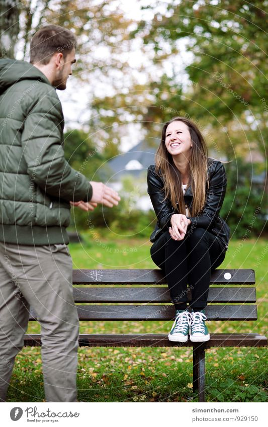 Crazy in love Geschwister Familie & Verwandtschaft Freundschaft Paar Partner Jugendliche Leben Herbst Garten Park Freude Glück Fröhlichkeit Lebensfreude