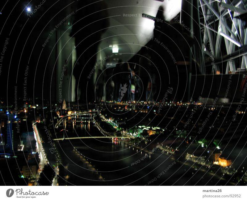 Die Entdeckung des Himmels Mensch Himmel Stadt schwarz dunkel Stimmung Beleuchtung Brücke Fluss Aussicht Dorf außergewöhnlich Veranstaltung Frankfurt am Main bizarr
