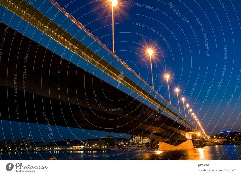 Reichsbrücke_1 Wasser Brücke Laterne Österreich Wien Donau