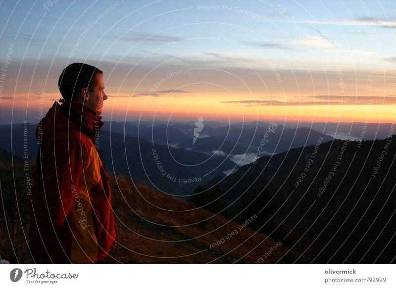 abendstimmung am berg Mensch Himmel Freude Stimmung orange wandern genießen Ereignisse Wolkenhimmel