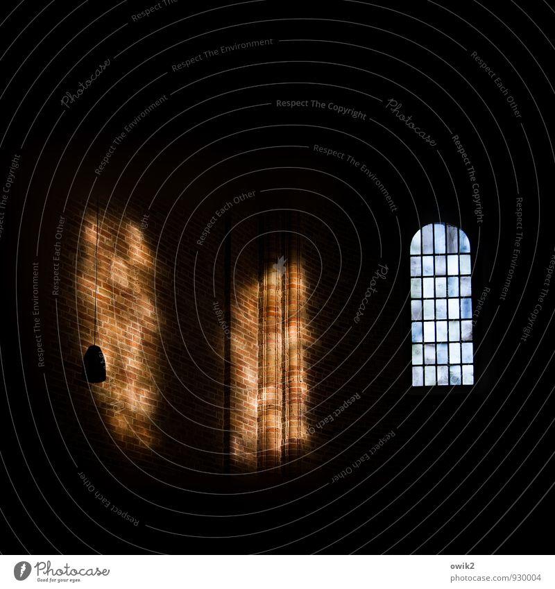 Altarraum Kirche Dom Raum Kathedrale Fenster dunkel groß Lichteinfall Backsteinkirche Backsteinwand Backsteingotik Ratzeburg Niedersachsen Kirchenfenster