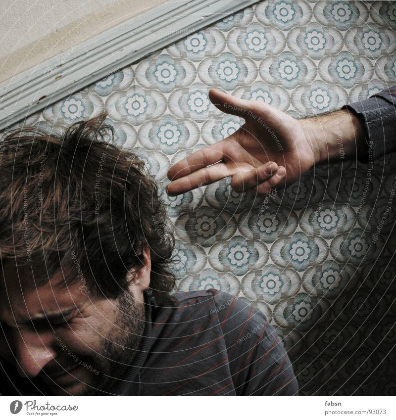 SELBSTZERSTÖRUNG ² Waffe Hand Pistole kalt gestikulieren Mann Außenseiter Haare & Frisuren Bart Finger grün Nervenzusammenbruch Ende Kriminalität Krimineller