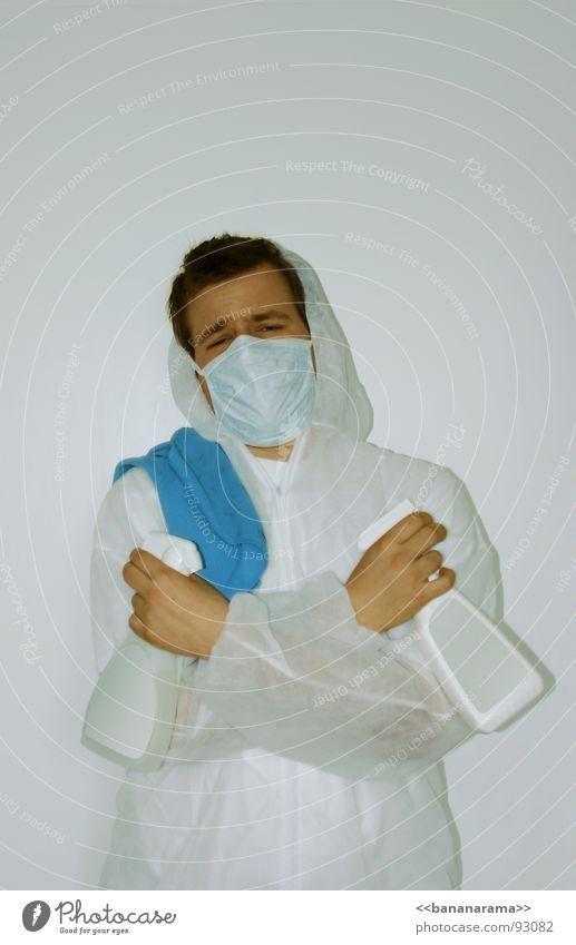 Der Saubermann Reinigen Waffe Sauberkeit Arbeitsanzug Schutzanzug Schutzmaske Reinigungsmittel Fensterputzen aufräumen schießen Wischen trocknen Geschirrspülen