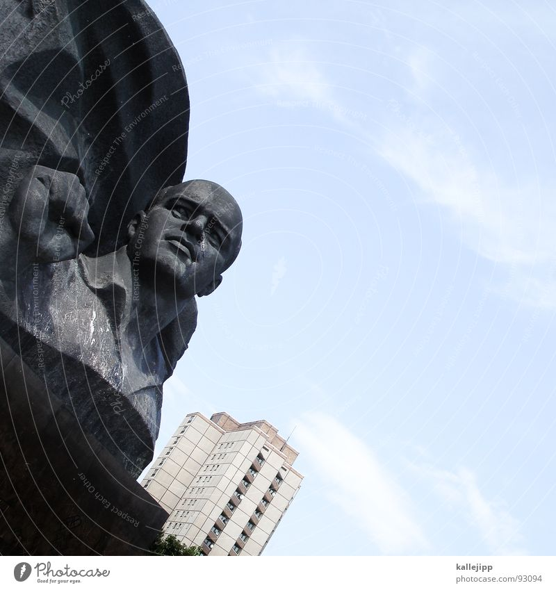 seid bereit - immer bereit! Statue Porträt Bronze Stahl Hochhaus Kämpfer Denkmal marzialisch Berlin Deutschland Hauptstadt ernst thälmann martialisch