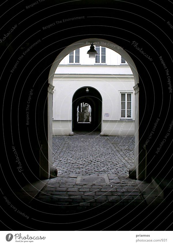 Durchgang Architektur Treppe Kopfsteinpflaster Leiter Hauseingang Eingang