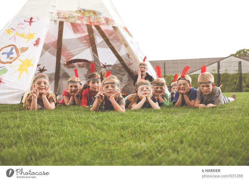 rothäute gegen bleichgesichter Mensch Kind Menschengruppe Kindergruppe 3-8 Jahre Kindheit 8-13 Jahre Gefühle Stimmung Freude Glück Fröhlichkeit Zufriedenheit