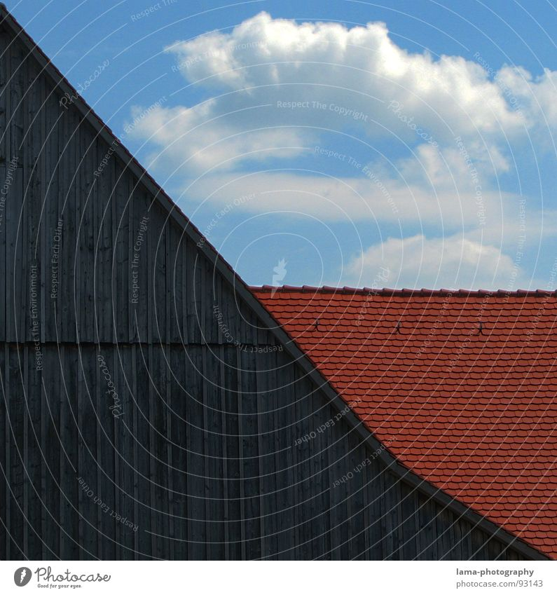 Dreigeteilt... Himmel blau rot Haus Wolken Wand Holz grau Gebäude Regen braun Wetter 3 Ecke Dach