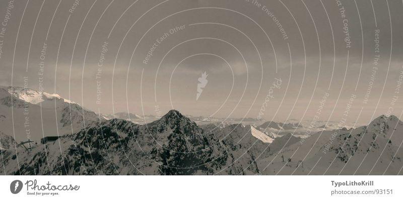 Panorama Berge Himmel weiß Wolken schwarz Berge u. Gebirge grau