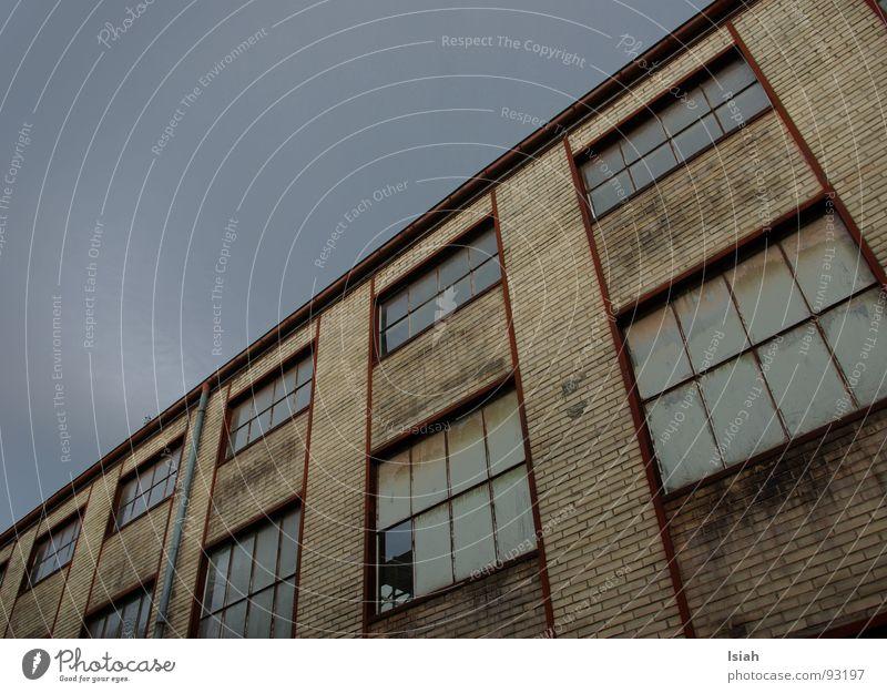 himmelwärts alt Himmel Fenster Regen Industrie kaputt Gewitter aufwärts Winterthur baufällig Denkmalschutz