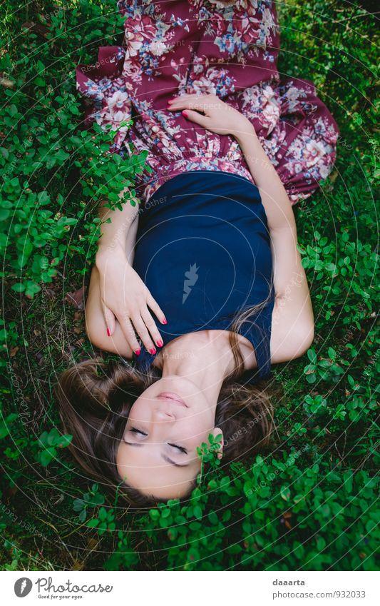 Waldschönheit Lifestyle elegant Stil Freude Freizeit & Hobby Flirten feminin Lächeln schlafen außergewöhnlich frech Freundlichkeit Fröhlichkeit glänzend