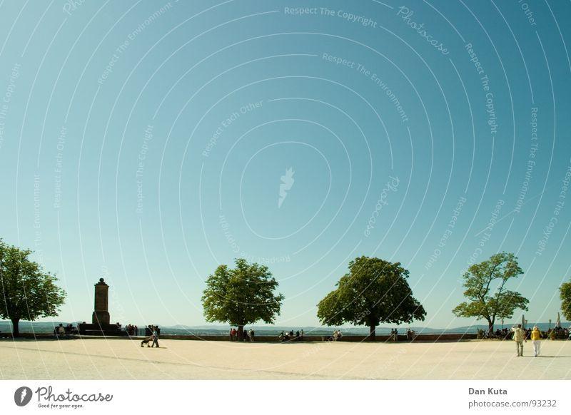 Weit und breit Mensch Himmel Baum blau Ferne Sand frei offen Amerika Verkehrswege Schönes Wetter sanft Staub horizontal Laubbaum Koblenz