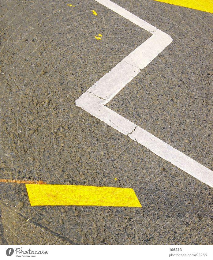 Z weiß gelb Straße Wege & Pfade Schilder & Markierungen KFZ Asphalt Streifen Dresden Grenze Verkehrswege Warnhinweis Teer Fahrbahn z Warnschild