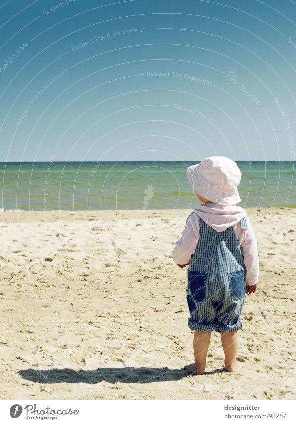 Sandparadies 3 Kind Wasser Mädchen Meer Sommer Strand Fuß See Sand Beine Küste Hut Ostsee Arbeitsanzug Latzhose