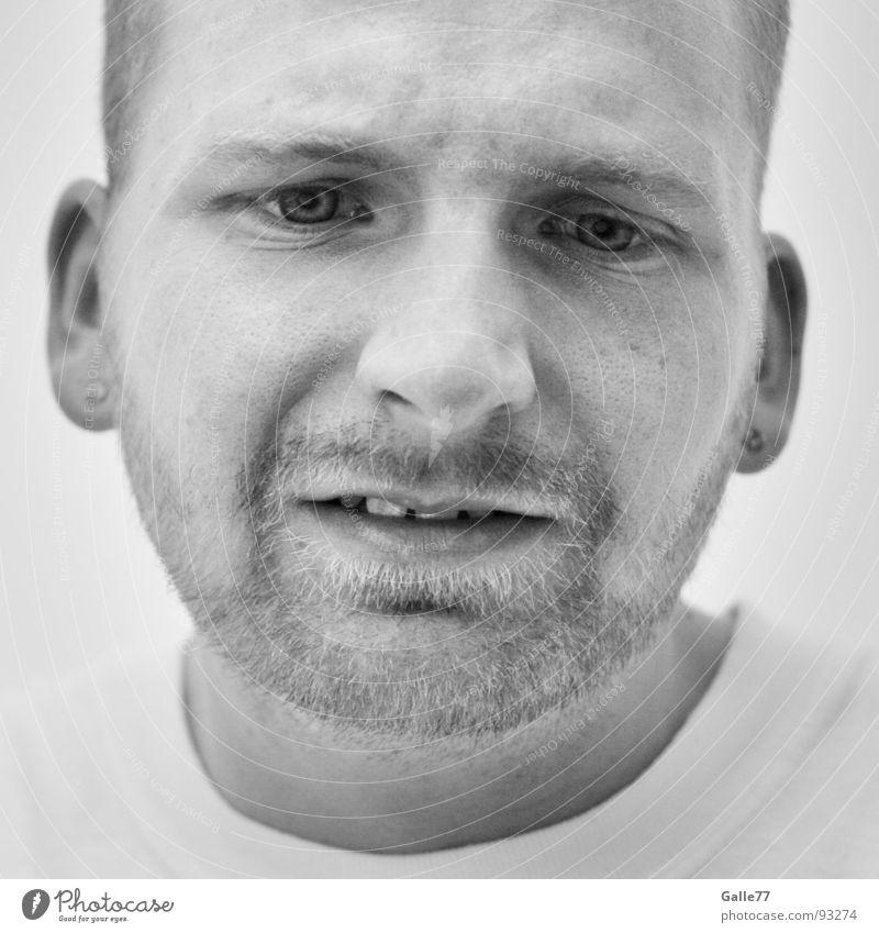 Hingabe Porträt Mann untergehen Konzentration quälen authentisch Gefühle Denken Gedanke Nervosität Bart ernst Situation Gesicht Blick Gesichtsausdruck