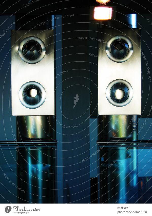 Metal Lüftung Reflexion & Spiegelung Industrie blau modern Röhren