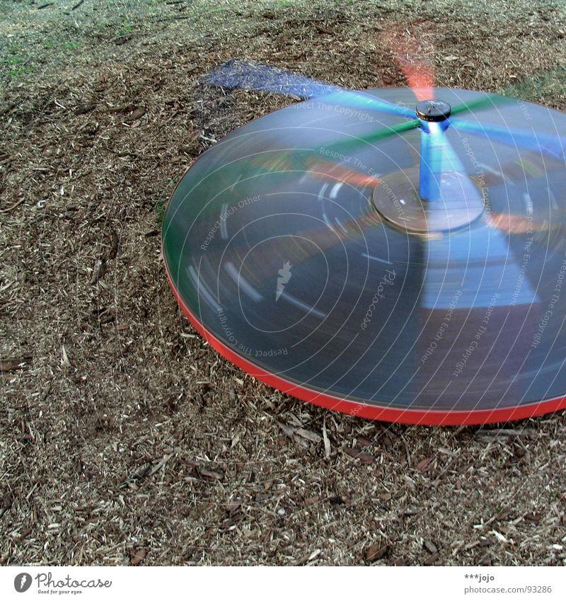 ufo. Freude Spielen Bewegung Kindheit Freizeit & Hobby Geschwindigkeit rund drehen Jahrmarkt Dynamik Spielplatz UFO Karussell Fluggerät Schwindelgefühl