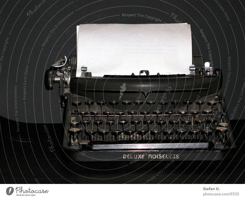 Schreibmaschine retro Elektrisches Gerät Technik & Technologie alt schreiben