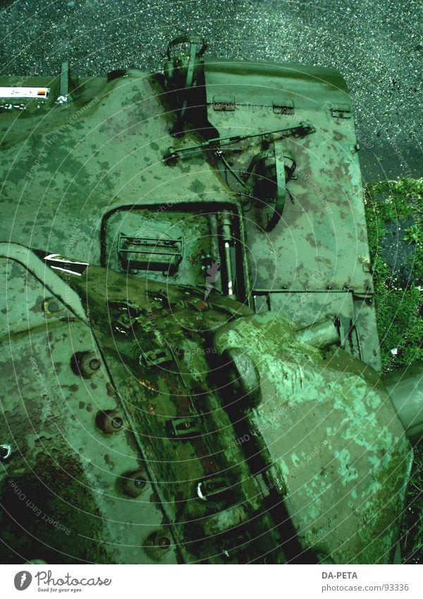 Panzer 2 Tod grau Angst Frieden Gewalt Krieg Tank gepanzert Terror