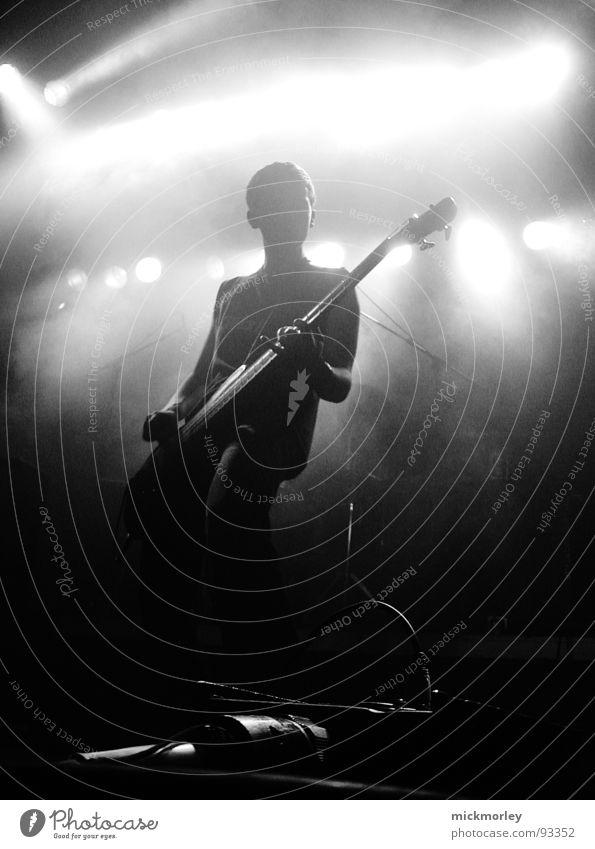 rock n roll bass player weiß schwarz Musik Stimmung Show Konzert Schnur Musikinstrument Rockmusik Rock `n` Roll