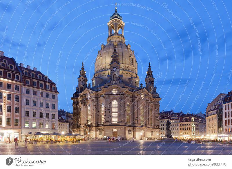 LIGHTS OFF, LIGHTS ON, THEN REPEAT Nacht dunkel Dämmerung Dresden Frauenkirche Sachsen Marktplatz Religion & Glaube Kirche Dom Ferien & Urlaub & Reisen