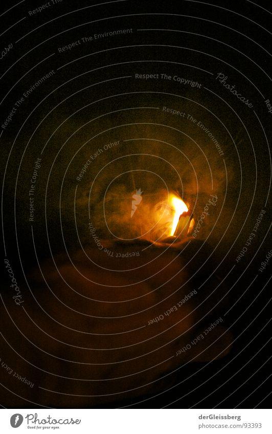 Streichholz Supernova #1 Hand rot gelb Wärme hell Kraft Brand Finger Feuer Energiewirtschaft Physik heiß Rauch Explosion grell