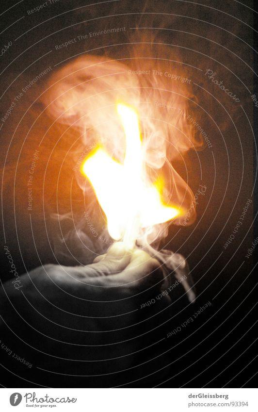 Streichholz Supernova #2 grell Explosion Licht Hand entfalten gelb rot Physik heiß Finger Brand anzünden Feuer hell Rauch Energiewirtschaft Kraft Wärme light