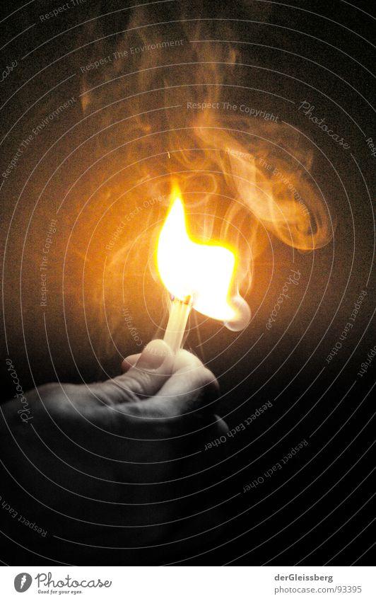 Streichholz Supernova #3 Hand rot gelb Wärme hell Kraft Brand Finger Feuer Energiewirtschaft Physik heiß Rauch Explosion grell