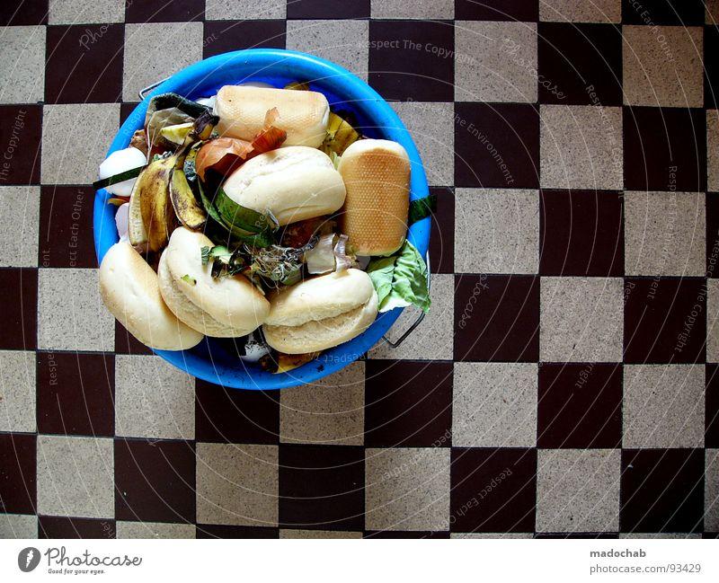 LUXUS Lifestyle Lebensmittel Wohnung Frucht Zufriedenheit Häusliches Leben dreckig Ernährung genießen Armut Vergänglichkeit Bodenbelag Küche Gemüse dünn
