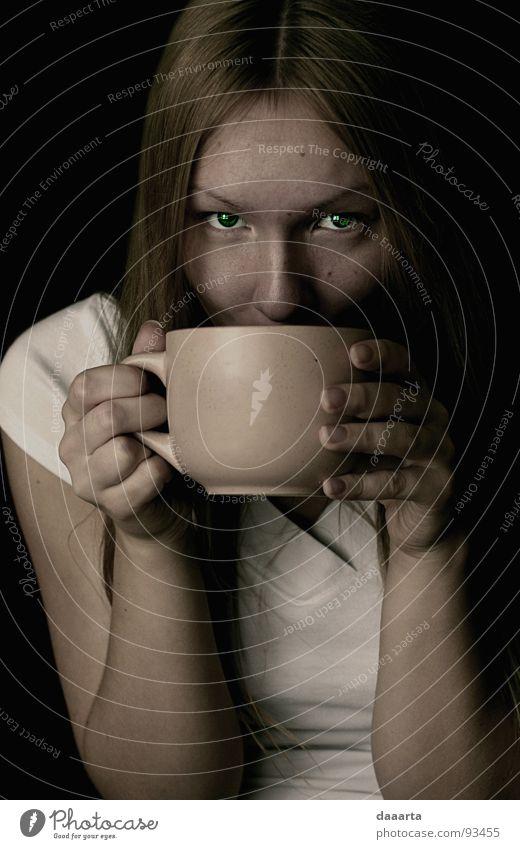 tea lady clever Porträt Frau ruhig Erholung nice woman eyes passionated cup Tee Auge Kaffee coffe calm trinken Innenaufnahme