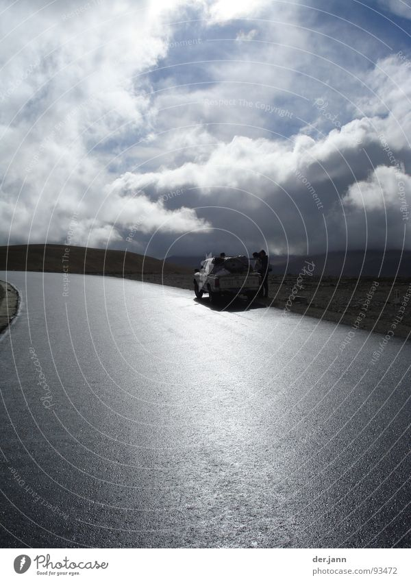 4500 m Höhe Wolken Lastwagen Licht Asien Sonne Berge u. Gebirge Himmel Straße Regen