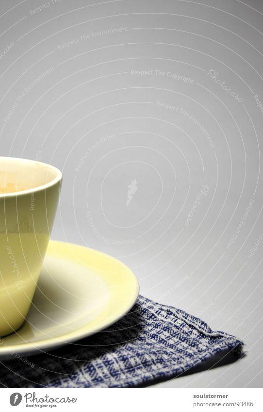 Second cup... weiß blau schwarz gelb Getränk Kaffee Küche heiß Geschirr Tasse Am Rand Handtuch Untertasse