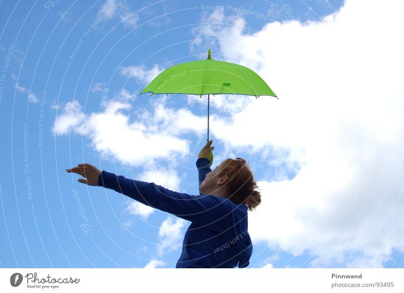 Träume, als würdest Du ewig leben Himmel blau grün weiß rot Freude Wolken Gras Regen orange Tanzen Frau Regenschirm Aktion Dame Stengel