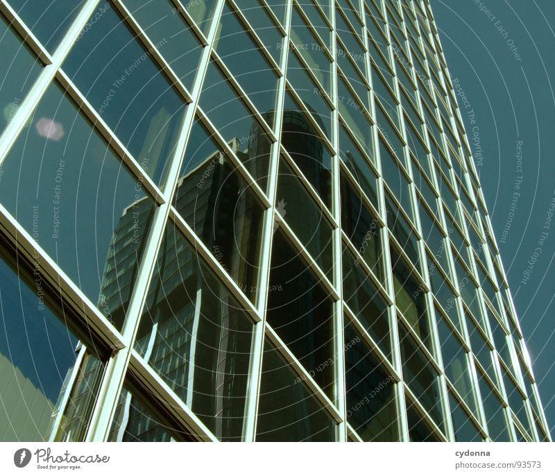 Something behind Frankfurt am Main Hochhaus Partnerschaft Stadt gepflegt Einfluss Wunsch Ferne Wahrzeichen Spiegel Fenster Fensterfront Architektur Erfolg Macht