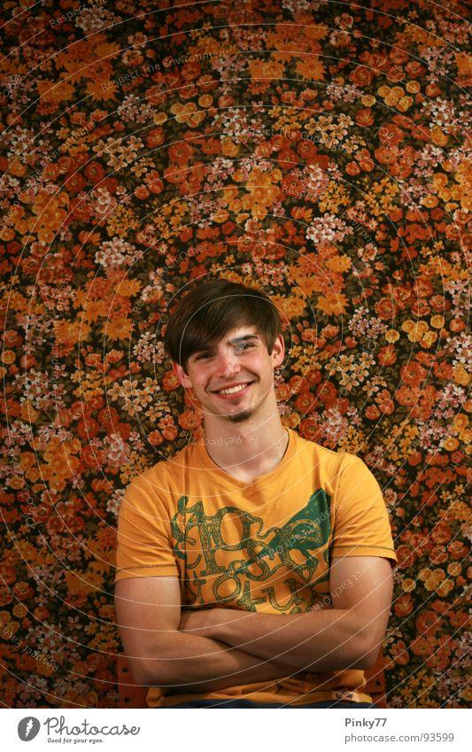 Flowers S2 Mann Jugendliche weiß schön rot Blume Freude gelb lachen orange braun Hintergrundbild sitzen Schönes Wetter Bart Nostalgie