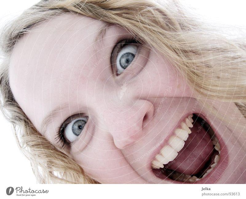 fauchend vor augenringen Haare & Frisuren Gesicht Mensch Frau Erwachsene Auge Nase Mund Zähne blond Locken schreiben schreien blau lockig Wange Grimasse