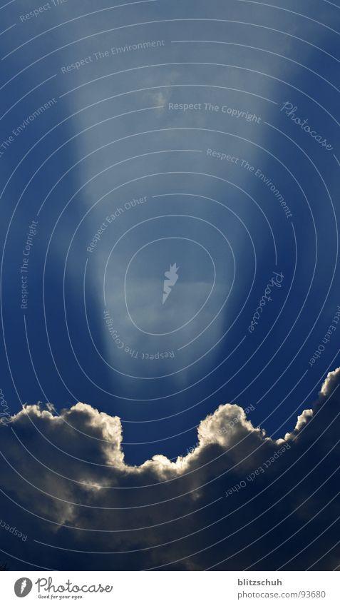 er ist unter uns...... schön Himmel blau Wolken Herbst Spielen Regen Stimmung Erde Erde Zeichen Strahlung Gewitter mystisch Gott