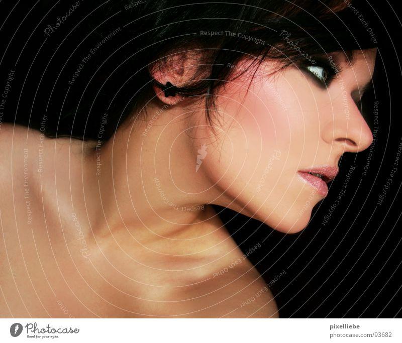 Pechmariechen Frau Jugendliche schön Erwachsene dunkel feminin kalt nackt Junge Frau Stil 18-30 Jahre elegant ästhetisch Lippen Sehnsucht Konzentration