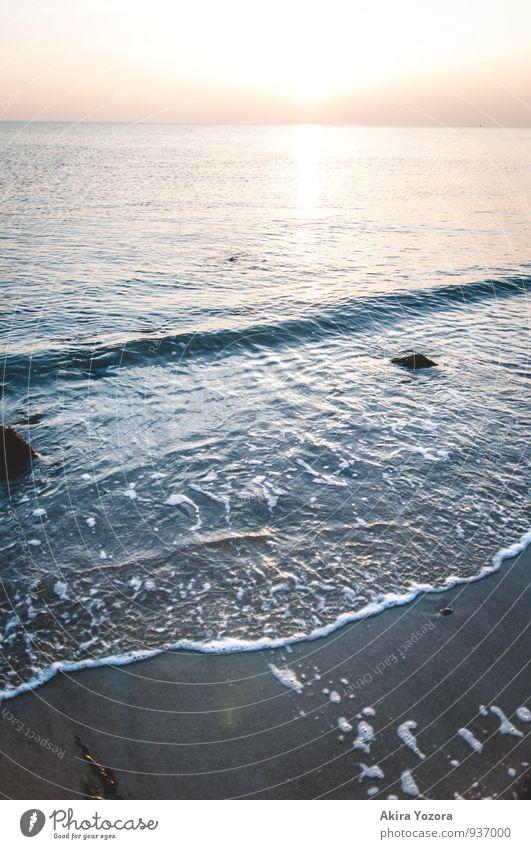 At the Blue Heart II Landschaft Sand Wasser Himmel Horizont Sonne Sonnenaufgang Sonnenuntergang Wellen Küste Strand Nordsee Meer beobachten Erholung Flüssigkeit